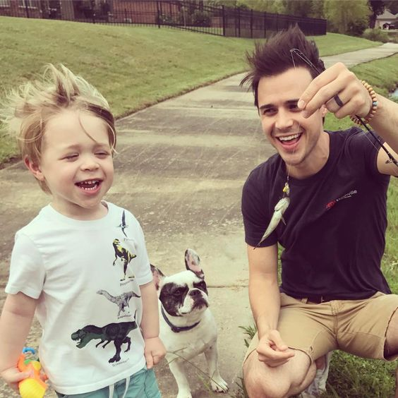 Celebrities with French Bulldogs Kris Allen